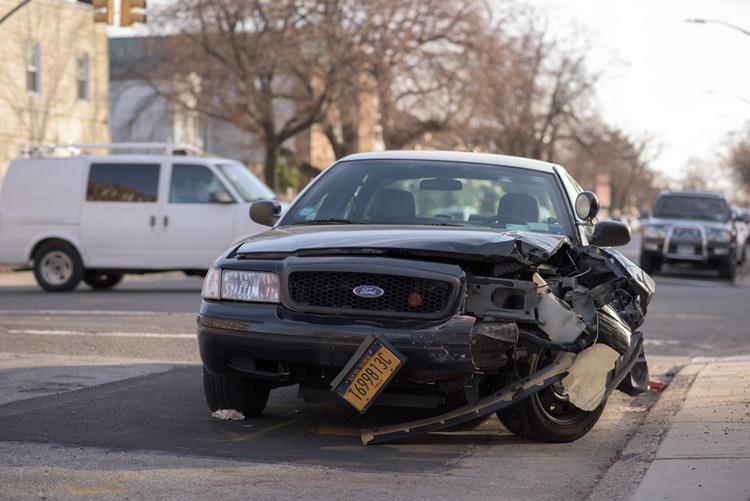 Tips mengurangi Resiko Kecelakaan Mobil